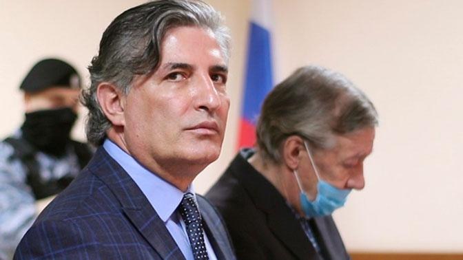 Адвокат Пашаев сообщил, что Ефремов окончательно отказался работать с ним