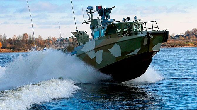Военные Балтфлота спасли раненого иностранного моряка
