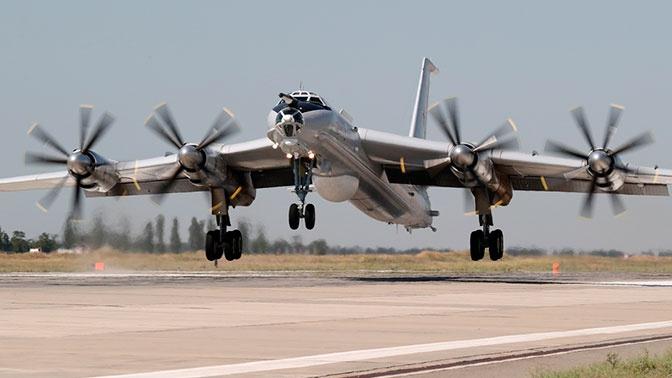 Два самолета Ту-142 выполнили 11-часовой полет над Атлантическим океаном