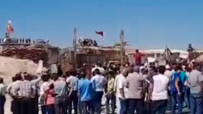 Жители Идлиба вышли на протесты против турецкого присутствия в Сирии
