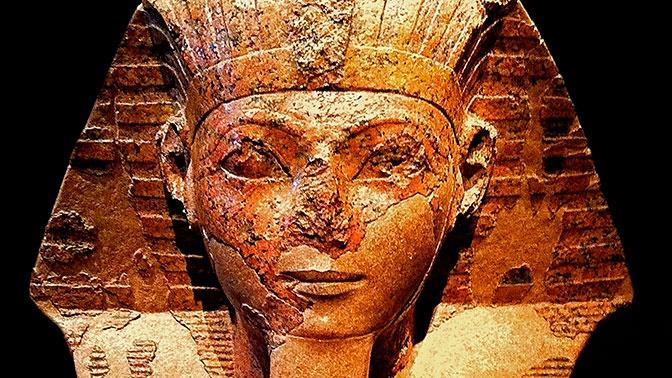 Археологи выяснили, почему у древнеегипетских статуй отломаны носы