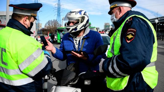 Мотоциклистам запретили в ночное время ездить в районе Патриарших прудов