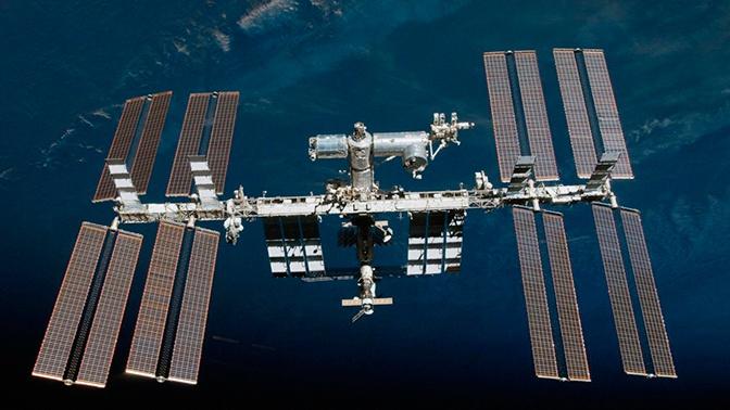 Орбиту полета МКС изменят из-за угрозы столкновения с неопознанным объектом