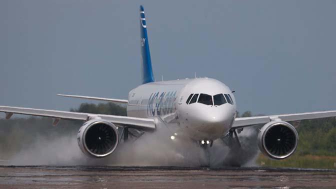 Мантуров назвал сроки начала поставок МС-21 авиакомпаниям