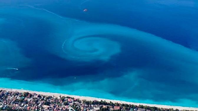 В Черном море у берегов Абхазии зафиксировано редкое природное явление