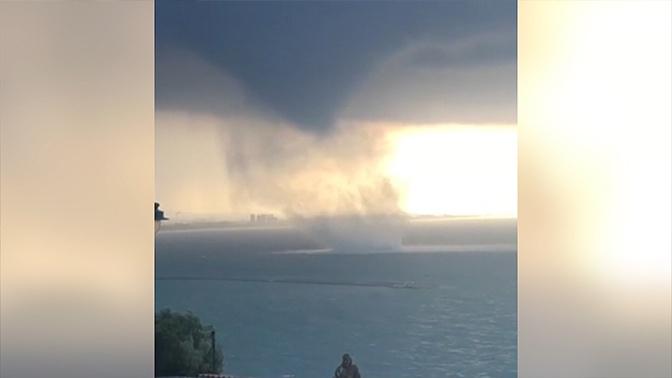 Бушующая стихия в Салерно: кадры мощного смерча на итальянском побережье