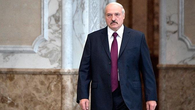 Лукашенко ответил на требование Макрона уйти в отставку