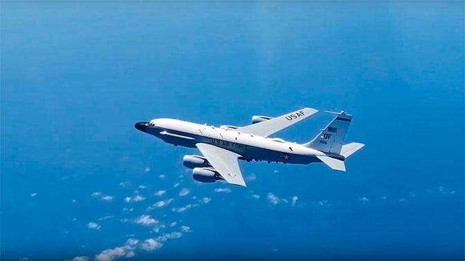 Российский Су-27 поднимался на сопровождение над Балтийским морем самолетов ВМС США и ВМС Германии
