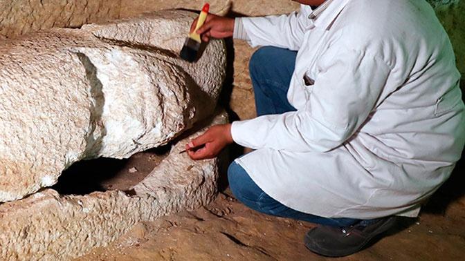 Археологи нашли 14 хорошо сохранившихся саркофагов в некрополе под Каиром