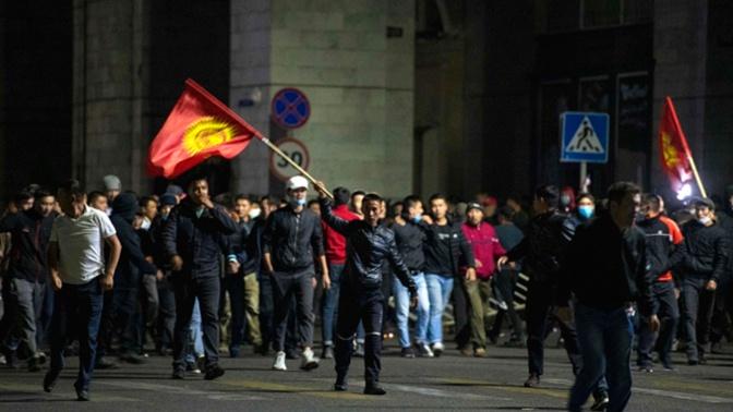 В Бишкеке возобновились митинги