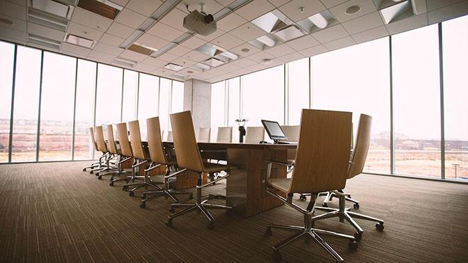 Россиянам назвали основные правила поведения в офисе при COVID-19
