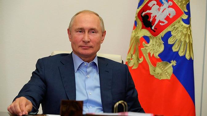 Путин рассказал, что внуки дарят ему на день рождения