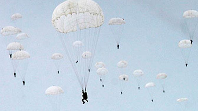 В Минобороны РФ обсудили развитие Концепции высотного десантирования