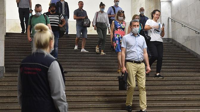 Рейды на всех станциях метро: в Москве резко ужесточают контроль масочного режима