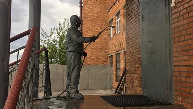 Войска РХБЗ продезинфицировали более 400 тысяч объектов