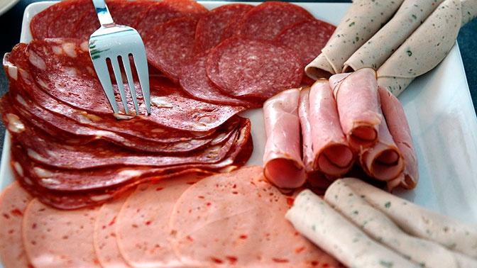 Врач рассказала об опасности современных колбас