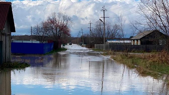 Власти выплатят компенсации пострадавшим от мощного циклона на Сахалине