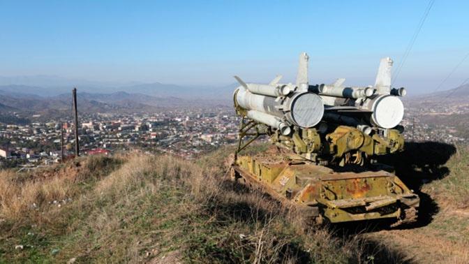 Азербайджан и Армения обвинили друг друга в нарушении нового перемирия в Карабахе