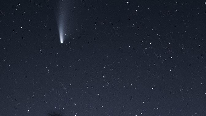 Яркая вспышка: на Сахалине заметили падающий метеорит