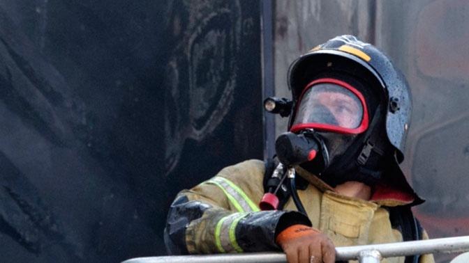 В МЧС объяснили, что делать при пожаре за дверью квартиры
