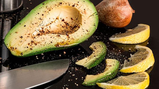 Врач посоветовала россиянам есть зимой авокадо