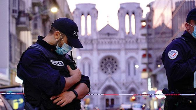 Прокурор рассказал, что нашли у совершившего теракт в Ницце мужчины