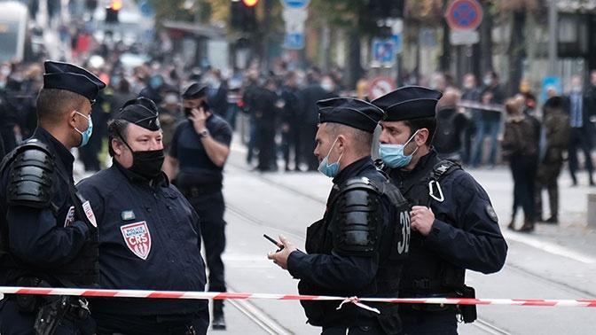 Франция призвала более трех тысяч резервистов в полицию после теракта