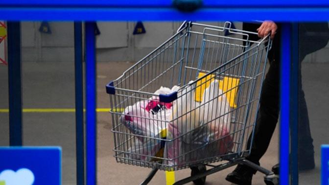 Россияне начали закупать продукты впрок в страхе перед новым карантином