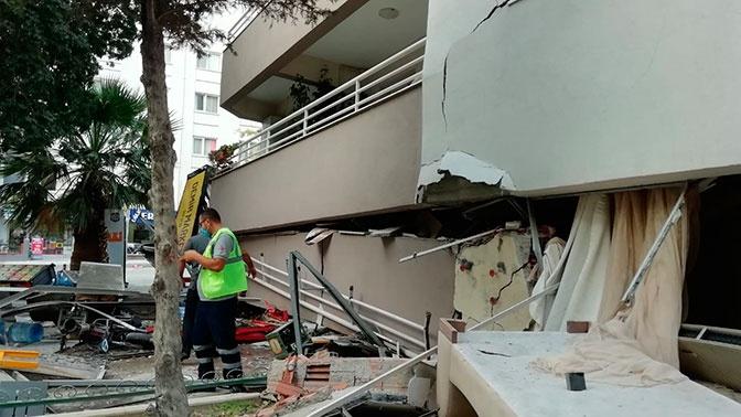 Число погибших при землетрясении в Измире увеличилось до 20