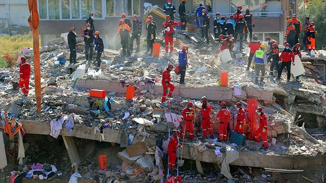 Число жертв при землетрясении в Турции достигло 42
