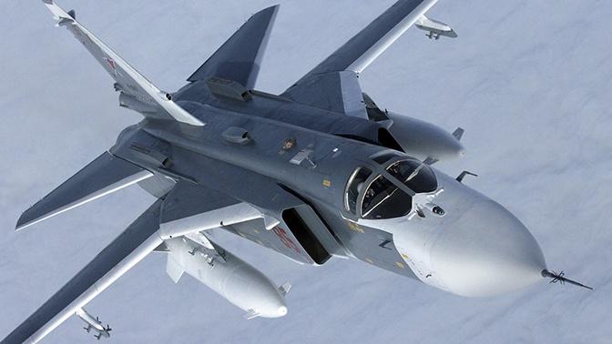 Бомбовый удар: Су-24М уничтожили корабли «противника» в Черном море