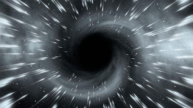 Астроном оценил шансы на выживание при попадании в черную дыру