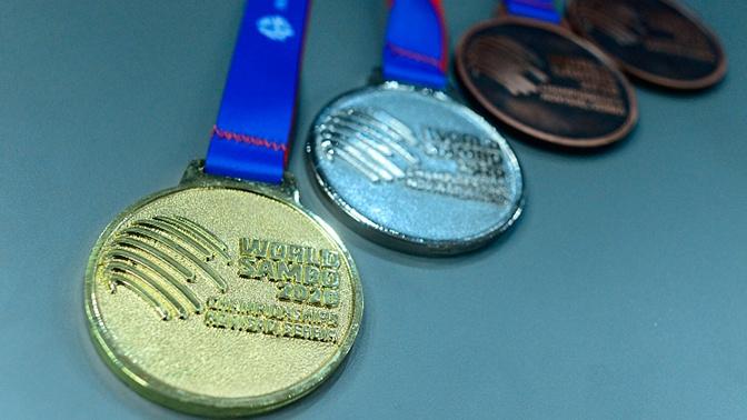 Россияне взяли 17 золотых медалей на ЧМ по самбо в Сербии
