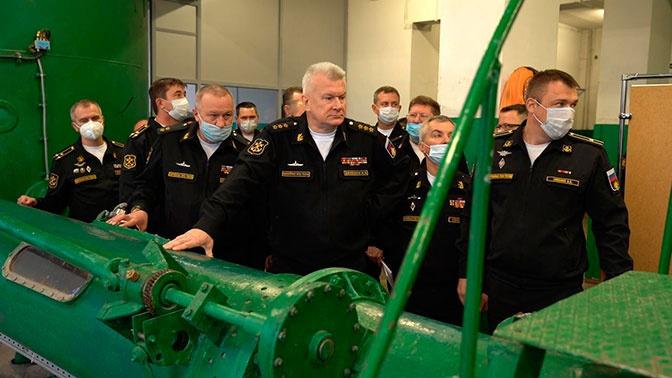 Главком ВМФ России проинспектировал НИИ спасания и подводных технологий