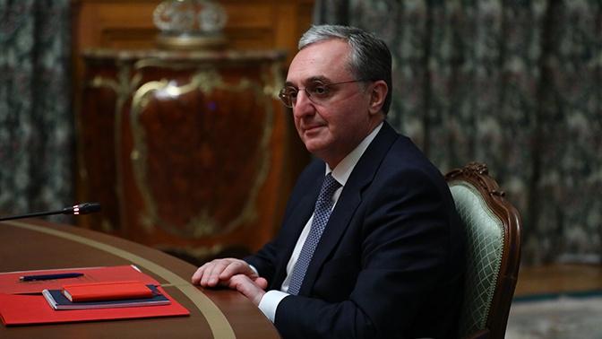 Пашинян отправил в отставку главу МИД Армении