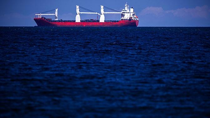 Греческий танкер подорвался на мине у берегов Саудовской Аравии