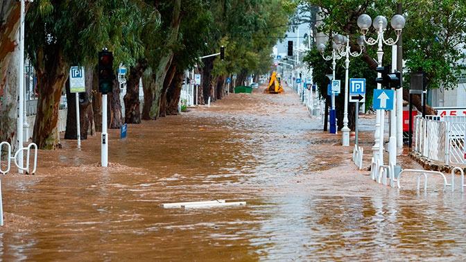 Израиль затопило после одного из самых засушливых месяцев в истории