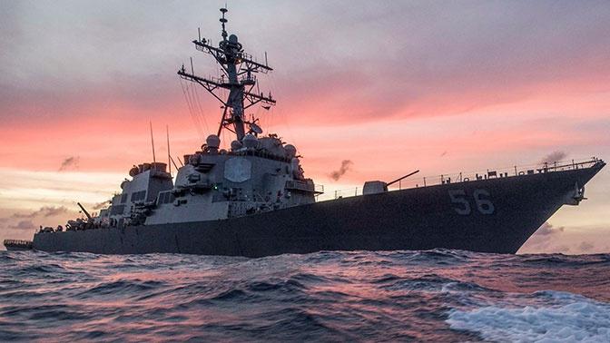 МИД РФ заявил протест в связи с заходом эсминца США в бухту Петра Великого