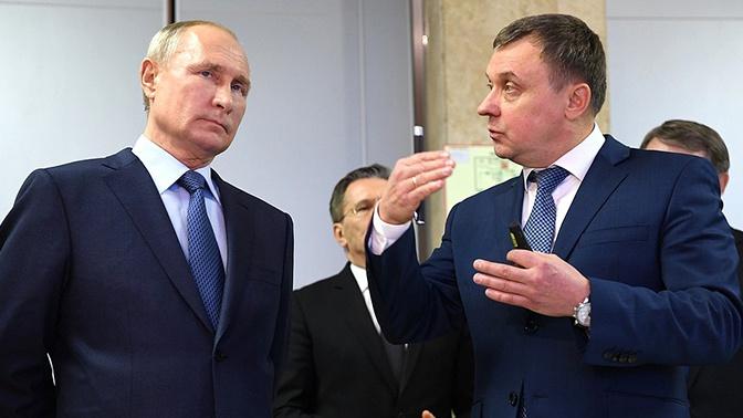 Песков объяснил отсутствие маски у Путина во время визита в Саров