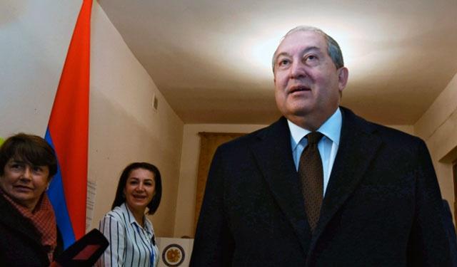 Президент Армении отправился с частным визитом в Россию