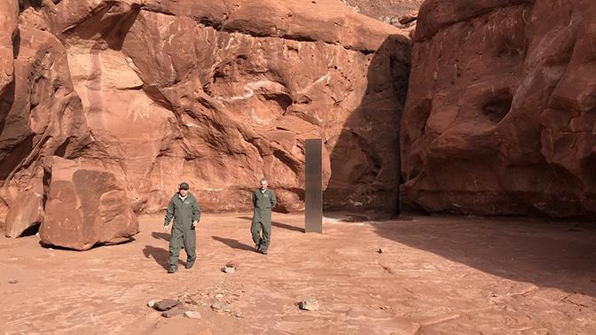 Стало известно, кто установил таинственный монолит в пустыне Юты
