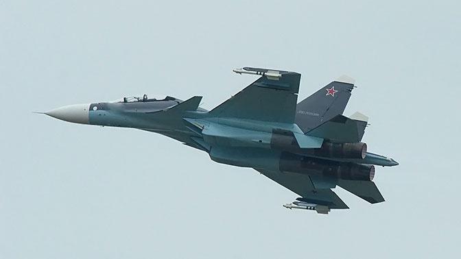 Су-30 перехватил разведчик США RC-135 над Черным морем