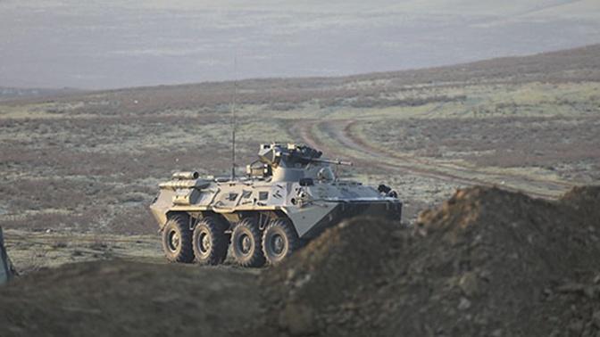 Мобильность и контрудары: морские пехотинцы отработали противодесантную оборону каспийского побережья