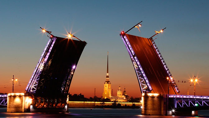 «Совсем немного отделяет нас от локдауна»: Беглов о ситуации с COVID-19 в Петербурге