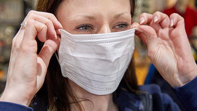Дерматологи рассказали, чем опасно неправильное ношение масок