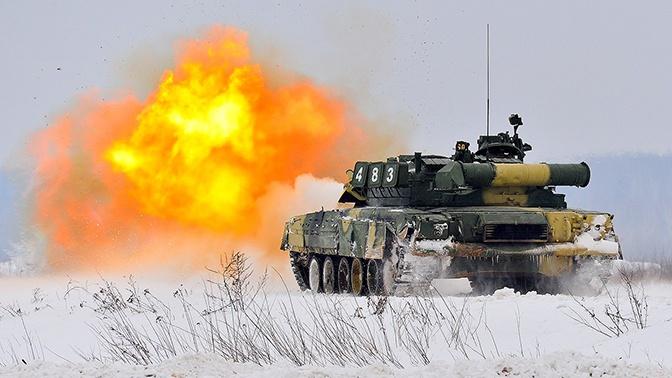 Непрерывный грохот: танкисты-гвардейцы отработали «танковую карусель» в Подмосковье