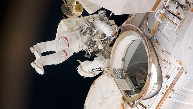 В ЦУП заявили, что резервы воздуха на МКС подходят к концу
