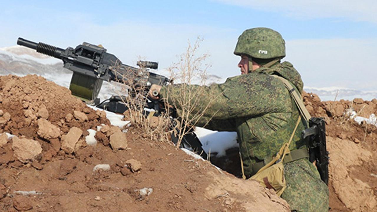 Гранатометы в горах: российские военные в Таджикистане провели учение
