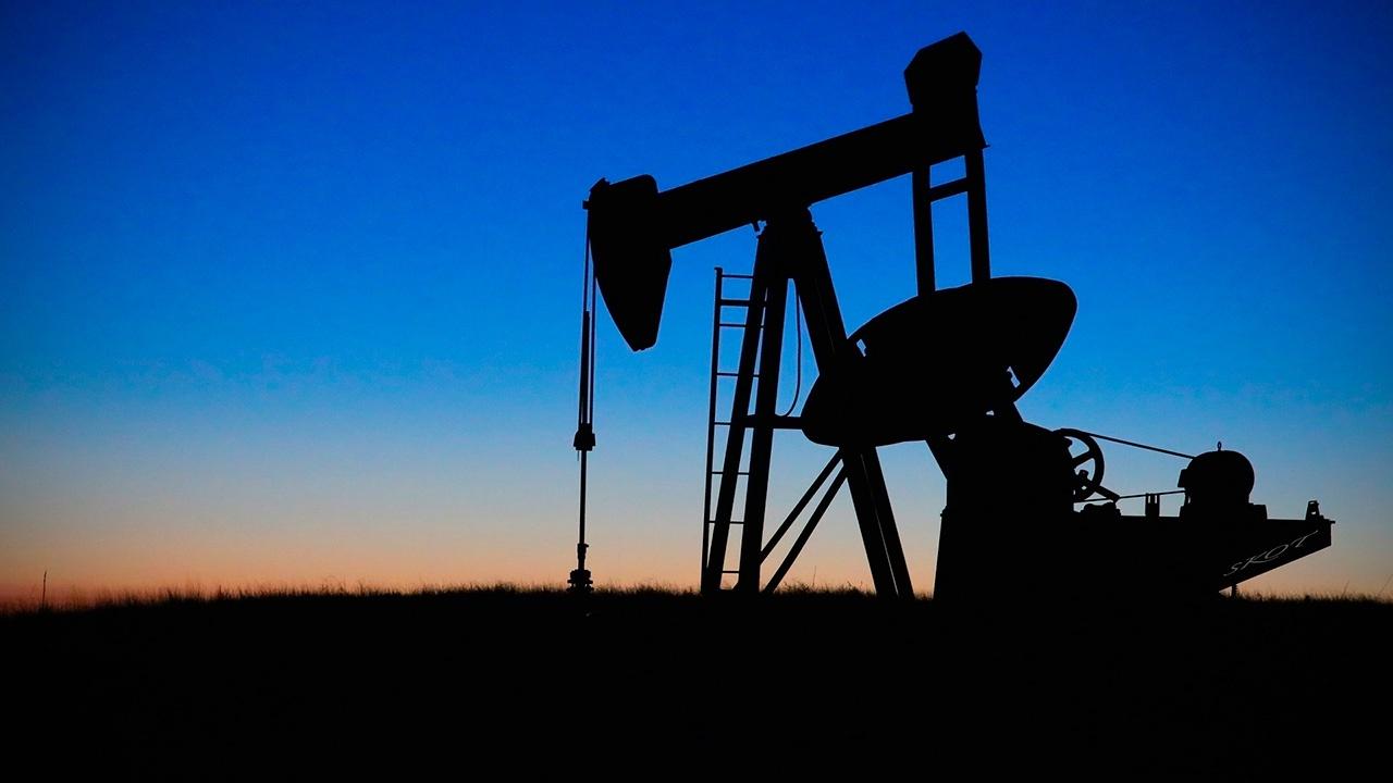 Цена нефти WTI поднялась выше 50$ за баррель впервые с февраля 2020 года