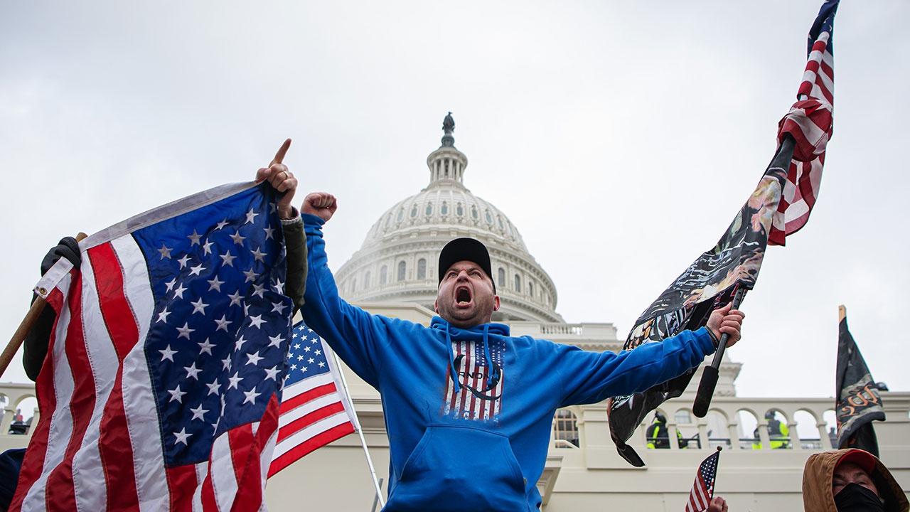 Экс-президенты США отреагировали на кровавый штурм Капитолия в Вашингтоне